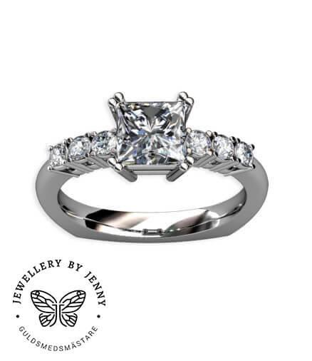 diamantring med prinsesslipad diamant