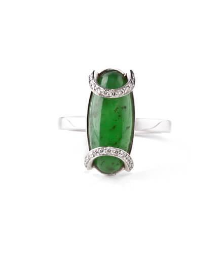 förlovningsring grön sten
