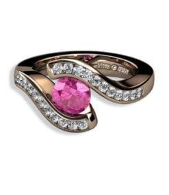 förlovningsring rosa ädelsten
