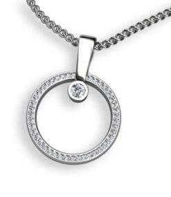 hängsmycke ring med diamanter på sidan
