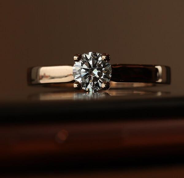personliga förlovningsringar